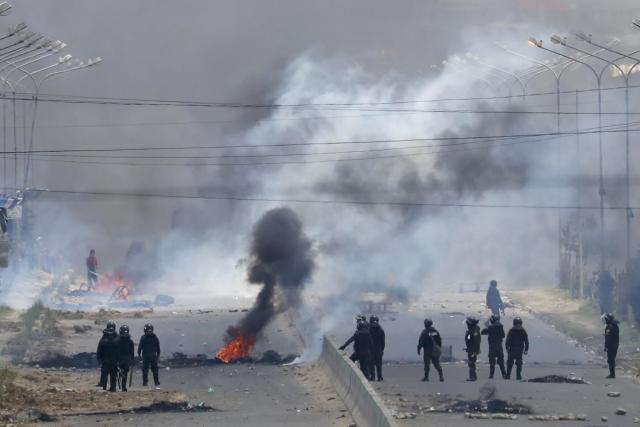 Nasilje u bolivijskom gradu Alto oko postojenja za gorivo foto:FoNet