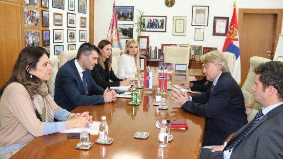 Zoran Đorđević sa novim ambasadorom Norveške u Srbiji Jornom Jelstadom foto: Tanjug/video