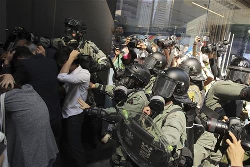 Protesti u Hongkongu Foto: AP Photo/Kin Cheung