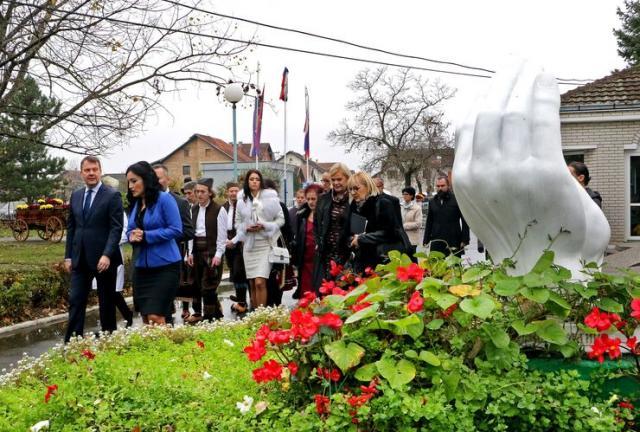 Predsednik Pokrajinske vlade Igor Mirović posetio dve ustanove socijalne zaštite u Futogu i Veterniku Foto: Tanjug/J.Pap