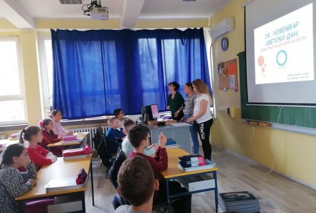 """Predavanje za najmlađe o prevenciji dijabetesa u OŠ """"Ivan Gundulić"""" u Novom Sadu Foto: Dnevnik.rs"""