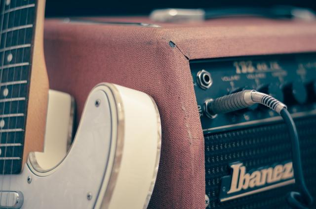 svirka muzika gitara pojacalo pix