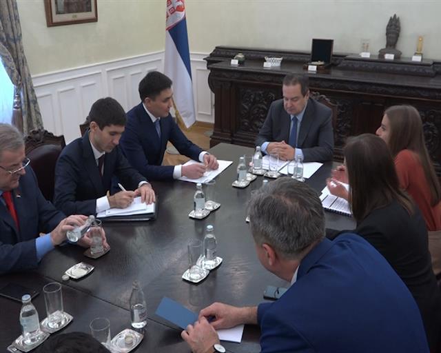 Ivica Dačić primio novoimenovanog ambasadora Kazahstana u Srbiji Gabita Sizdikbekova Foto: Tanjug/video