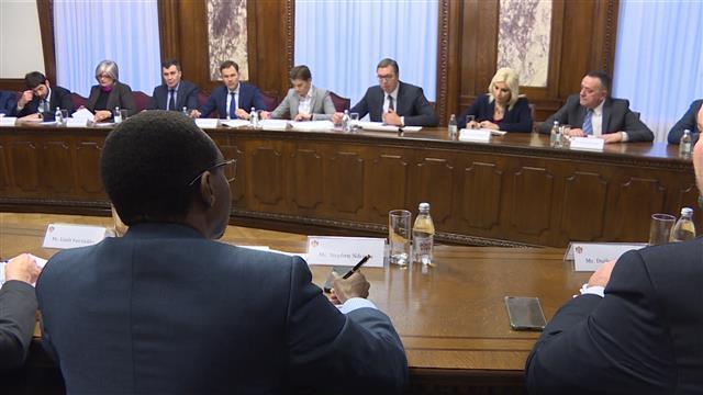 Vučić sa regionalnom direktorkom Svetske banke Foto: Tanjug/video