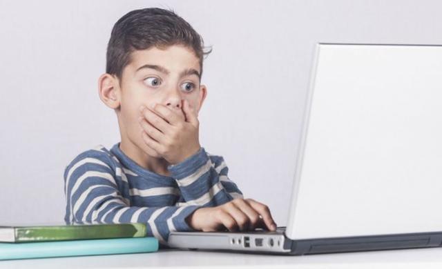 Deca na internetu Foto: Youtube/printscreen