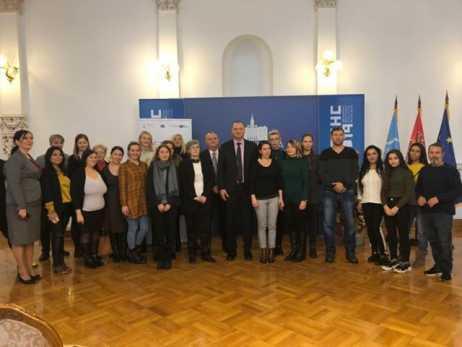Učenici konferencije o unapređenjue položaja najranjivijih grupa u Novom Sadu Foto: novisad.rs