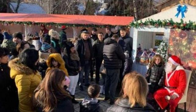 Paketići za najmlađe Vrdničane i Irižane Foto: TO opštine Irig