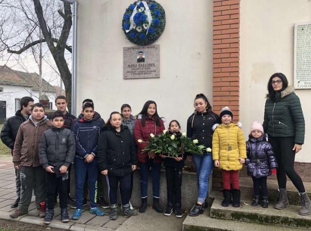 Spomen na Miću Vlahovića koji je u hraniteljsku porodicu u Aleksandrovo došao kao devetomesečna beba Foto: privatna arhiva