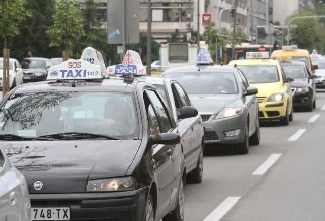 Novosadski taksi Foto: Dnevnik.rs/S. Šušnjević