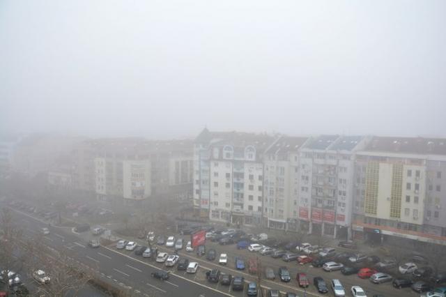 U svim urbanim sredinama, pa tako i u Novom Sadu, saobraćaj predstavlja jedan od dominantnijih izvora zagađenja vazduha Foto: V. Fifa