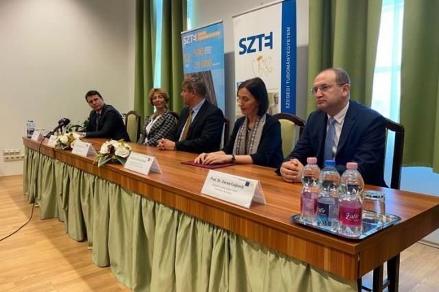 Potpisan protokol o saradnji u oblasti zdravstva Vojvodine i MađarskeFoto: Pokrajinska vlada