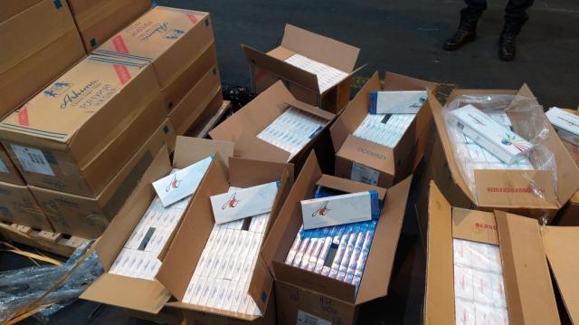 kutije sa cigaretama Ashima CI Aerodrom Beograd