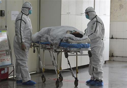 Kina poslala radnike i opremu u novoizgađenu bolnicu Foto: Chinatopix via AP