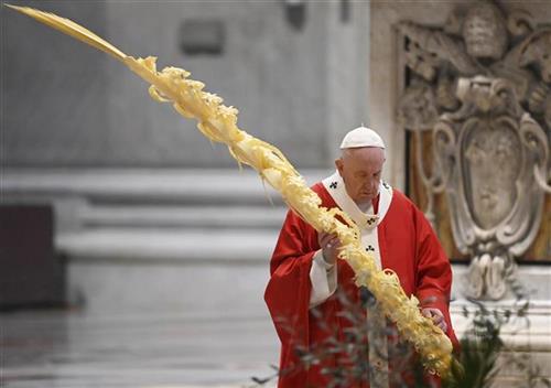 Papa održao misu na Cveti bez vernika Foto: AP Photo/pool/Alberto Pižoli