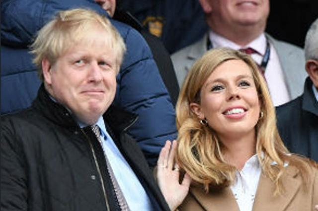 Boris Džonson i Keri Simonds  Foto: RTS/printskrin