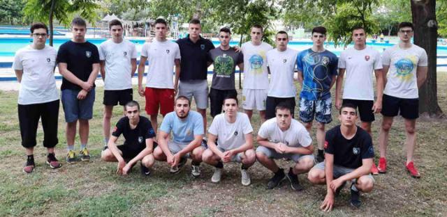 Ж. Балабан/Једва чекају да ускоче у воду: ватерполисти зрењанинског Пролетера