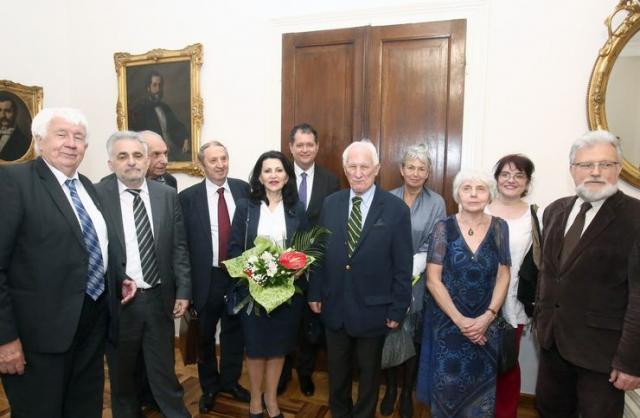 Dobitnici Povelje za negovanje srpske jezičke kulture sa članovima žirija Foto: B. Lučić