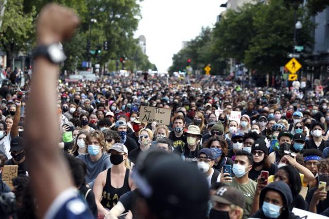 Protest u Los Andjelesu SAD/Fonet/AP