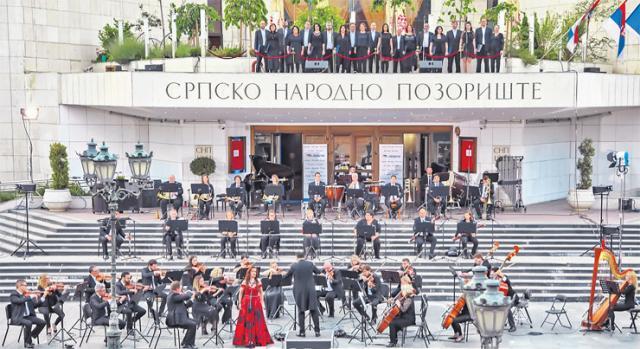Orkestar, solisti i Hor Opere SNP-a su prvi put od 16. marta zajedno nastupili Foto: R. Hadžić