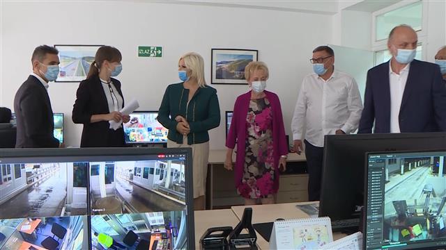 """Mihajlović u poseti Sektoru za naplatu putarine JP """"Putevi Srbije"""" Foto: Tanjug/video"""