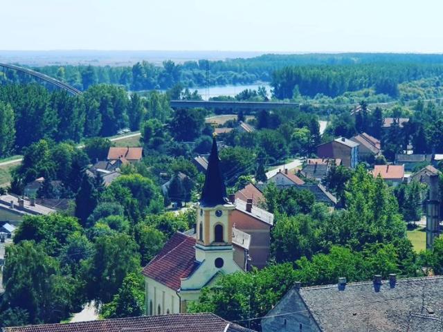 Jedan od najlepših u Vojvodini: Pogled na Titel sa Kalvarije Foto: R. Čoban