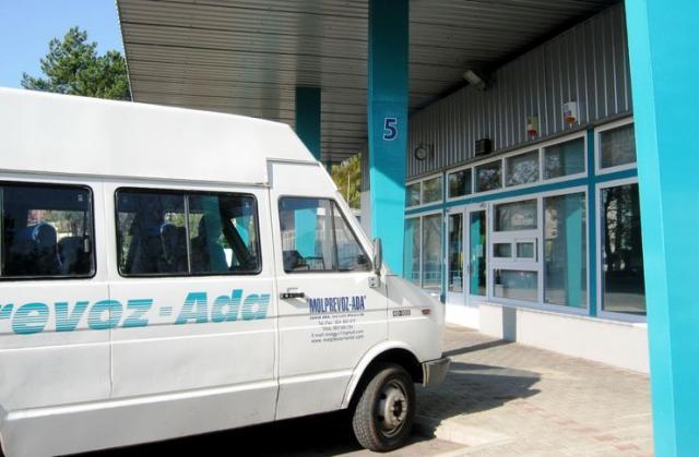 Više para za prevoz đaka u Adi: privatna arhiva