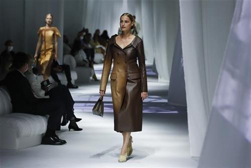 Hibridna Nedelja mode u Milanu Foto: Tanjug/AP