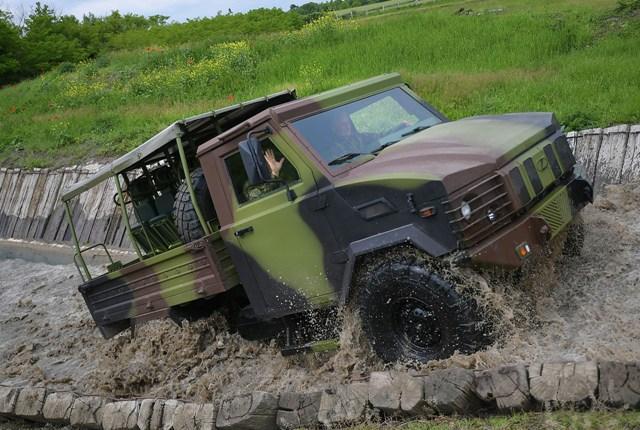 vojska vozilo
