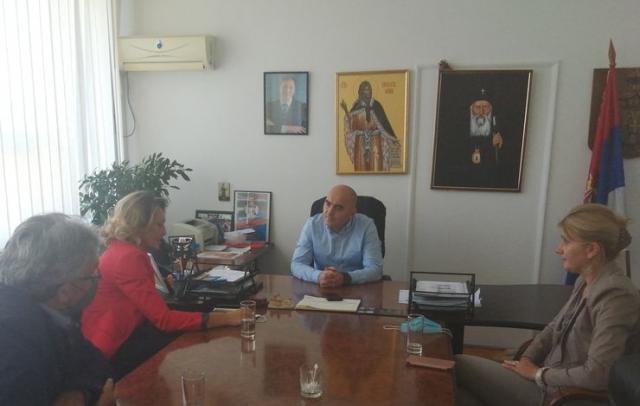 Delegacija Nacionalnog saveta Slovaka sa predsednikom opštine Bačka Palanka Branislavom Šušnicom Foto: Opština B. Palanka