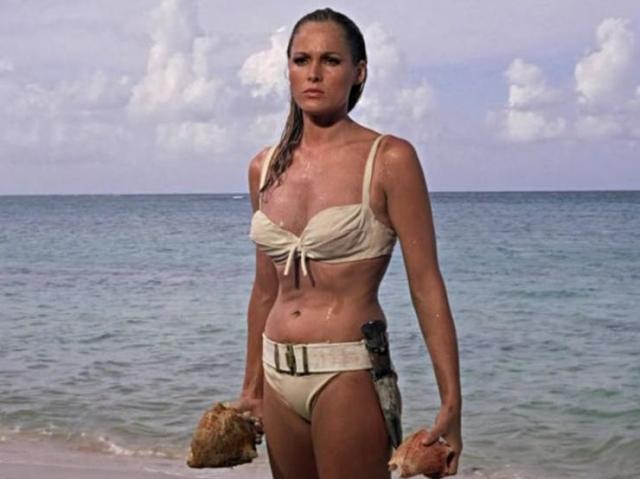 """Bikini u boji slonovače koju je Ursula Andres nosila u """"Dr. No Foto:  Youtube/printscreen"""