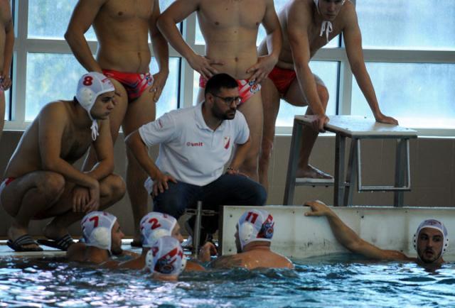 К. Бугарски/ Привикавају се једни на друге: Мирослав Бајин са играчима